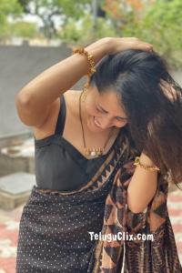 Anasuya in Black Saree HQ