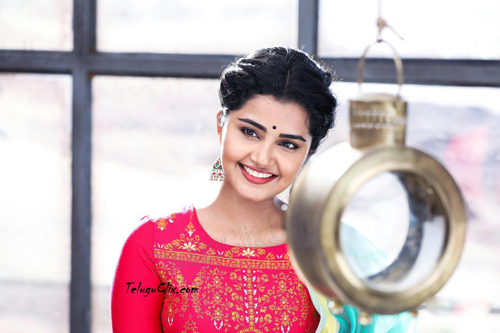 Anupama Parameswaran Old Latest New Recent Hd Hq Photos Pics Stills