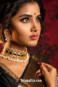 Anupama Parameswaran HD in Saree