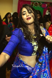 Bhanu Sri HD Dance Photos