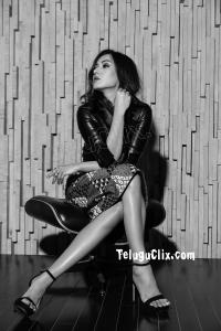 Catherine Tresa HD Black 2020