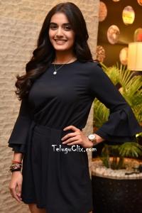 Divyansha Kaushik HD Pics