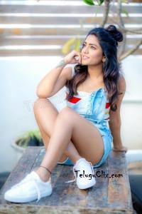 Eesha Rebba HD Hot Legs Thighs