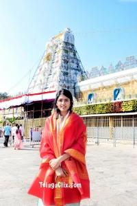Eesha Rebba at Tirumala TTD