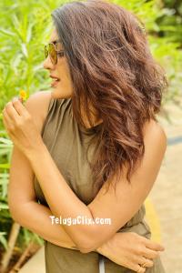 Eesha Rebba Pics