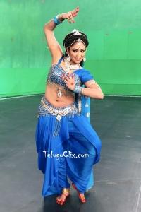 Haripriya Navel