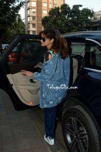ileana D Cruz in Jeans