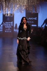 Janhvi Kapoor at Lakme Fashion Week 2019
