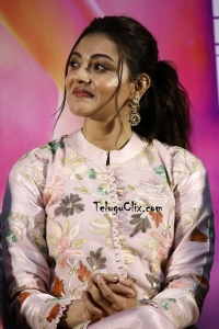 Kajal Aggarwal HQ at Comali Trailer Launch