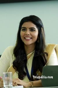 Kalyani Priyadarshan HD in Varane Avashyamund