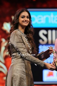 Keerthy Suresh HD Siima Awards 2019