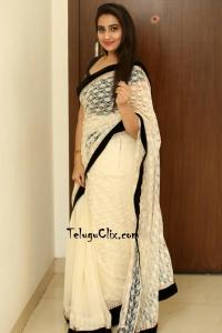 Manjusha in Saree HQ Photos