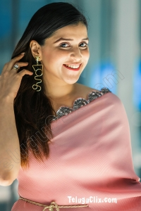 Mannara Chopra Ultra HD in Saree
