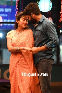 Love Story Movie HD Stills - Naga Chaitanya - Sai Pallavi