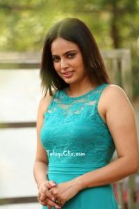 Nandita Swetha HD Pictures