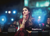 Nayanthara in Saree HD Pics