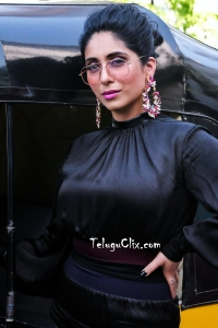Singer Neha Bhasin HD