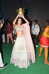 Nidhhi Agerwal Navel at iSmart Shankar Bonalu