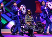 Nidhhi Agerwal Dance Perfomance at Siima Awards 2019