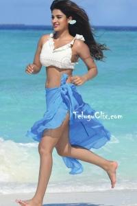 Nidhhi Agerwal HD from ismart Shankar