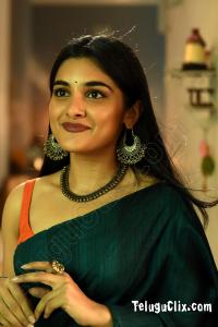 Nivetha Thomas Ultra HD in Saree V movie