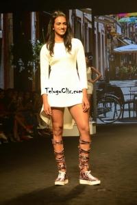 PV Sindhu at Lakme Fashion Week 2019