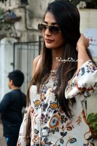 Pooja Hegde HD Stylish