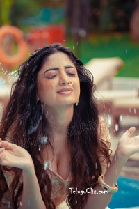 Poonam Kaur HD Hot Photoshoot