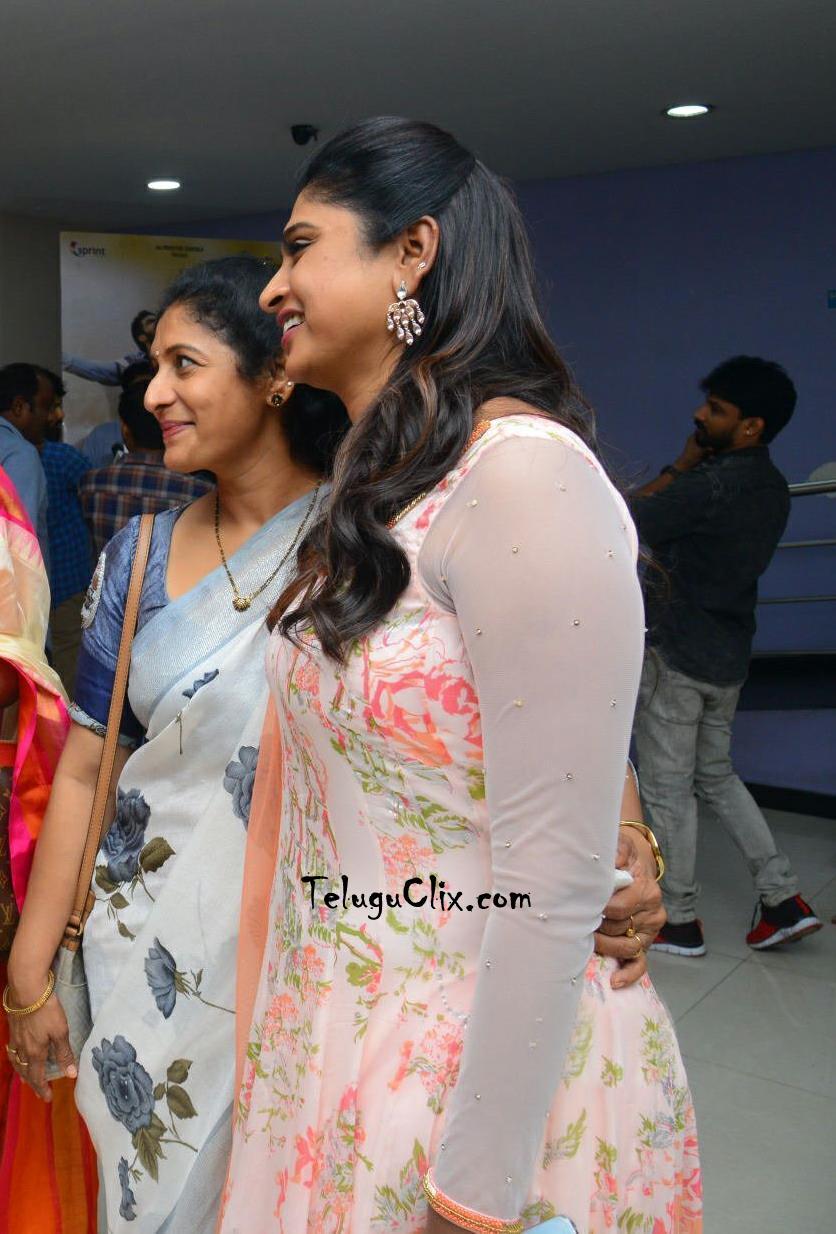 anchor-praveena-kadiyala-pics-6.jpg