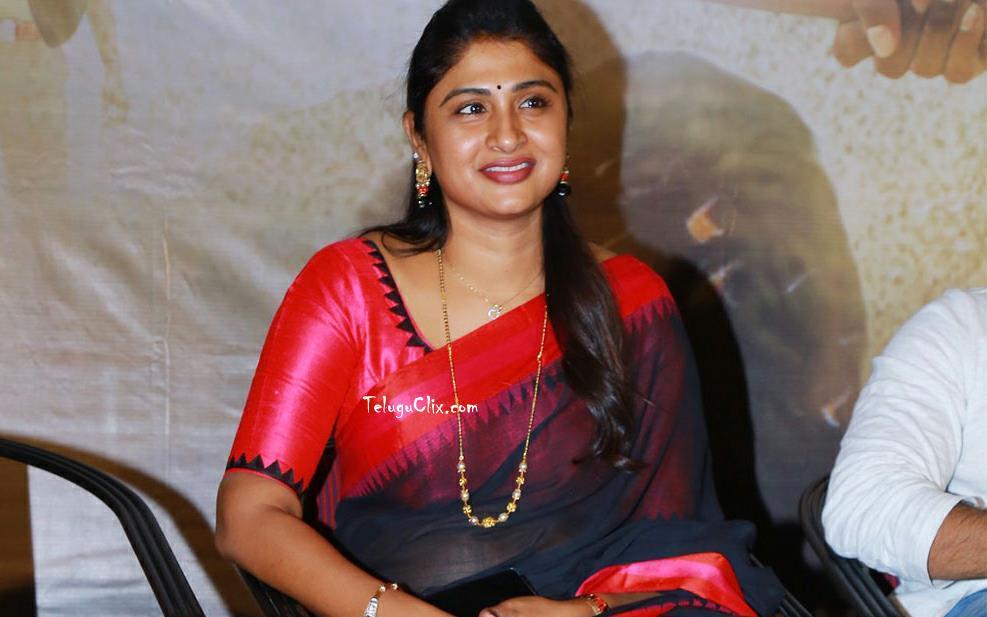 kadiyala-praveena-28.jpg