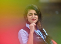 Priya Prakash Varrier HD in Lovers Day