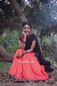 Priyanka Jain in Mouna Raagam Serial