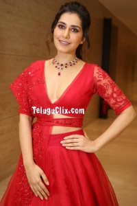 Raashi Khanna HD at WFL Pre Release