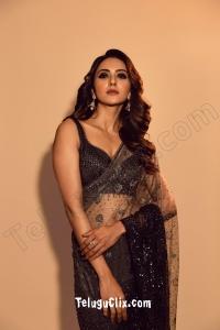 Rakul Preet Singh in Saree HD