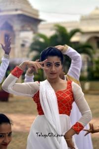 Rashmika Mandanna in Geetha Chalo HD