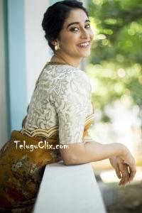 Regina Cassandra in Saree HD Photos