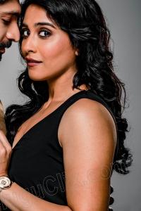Regina Cassandra Hot in Seven Movie HD