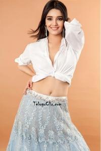 Ritika Singh Navel Photoshoot