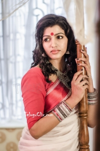 Sai Dhanshika in Saree HD