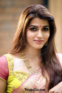 Sai Dhanshika in Saree HD