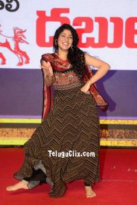 Sai Pallavi Dance Perfomance at Love Story Event