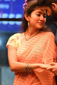 Sai Pallavi HD in Saree Love Story