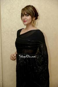 Sakshi Chaudhary in Saree Photos