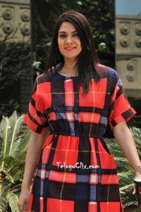 Sakshi Chaudhary HD in Suvarna Sundari