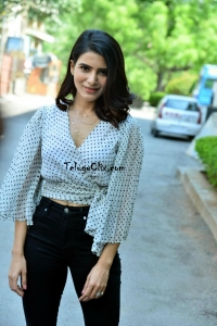 Samantha at Laundry Kart App Launch