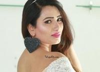 Sanjana Naidu images