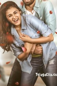 Shalini Pandey HD in iddari Lokam Okate