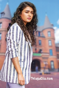 Shalini Pandey UHD in Nishabdham