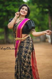 Poorna in Saree Dhee Final