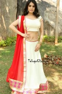 Sidhika Sharma Photos